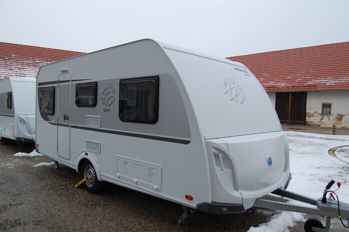 Wohnwagen Etagenbett Knaus : Knaus sport schnittiges design und campanda
