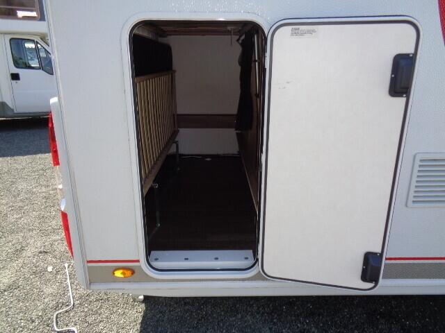 Wohnwagen Mit Etagenbett Und Garage : Bürstner premio tk wohnwagen mit campanda