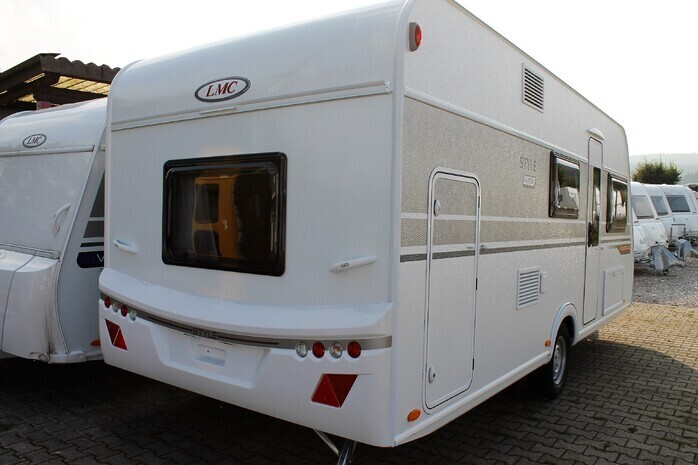 Wohnwagen Mit Etagenbett Und Doppelbett : Lmc k wohnwagen für mit etagenbett campanda