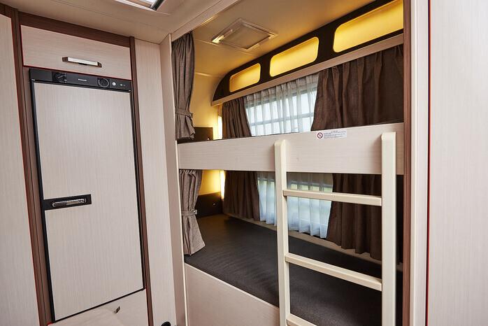 Wohnwagen Etagenbett Netz : Wohnwagen für anspruchsvolle familien 24645224 campanda.de
