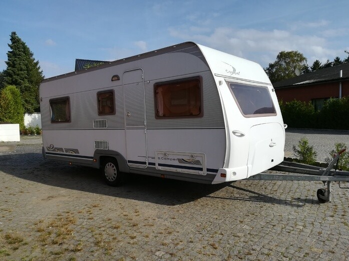 Wohnwagen Mit Etagenbett Für Erwachsene : Wohnwagen mieten vermietung dethleffs campanda