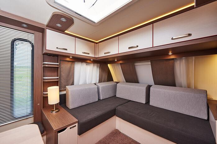 Wohnwagen Doppelbett Etagenbett : Wohnwagen für anspruchsvolle familien campanda