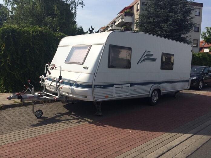 Wohnwagen Mit Etagenbett Und Festbett Kaufen : Vermietung wohnwagen dethleffs tk etagenbett caravan auto bike