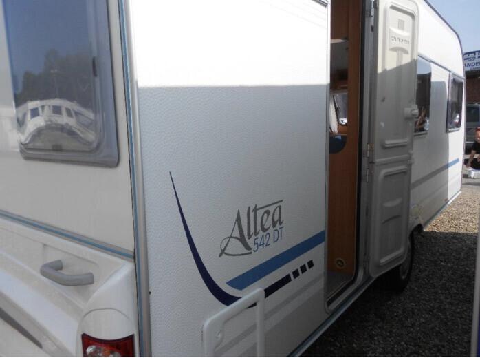Wohnwagen Etagenbett Adria : Alpina wohnwagen adria mobil