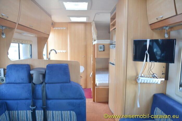 Reisemobil Etagenbett : Schöner alkoven womo mit etagenbett campanda