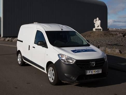 Dacia Dokker - Mini-camper in Islanda per 2 persone