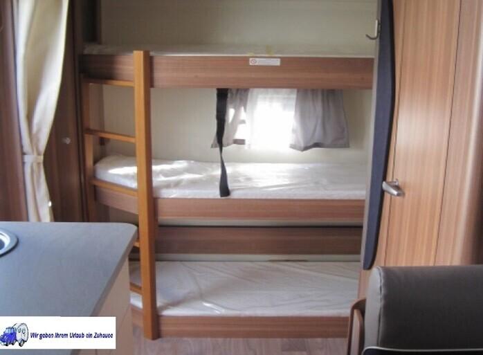 Wohnwagen Mit Etagenbett Nrw : Wohnwagen mit etagenbett im heck bürstner fun tk in