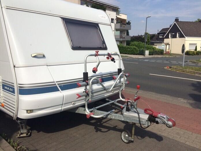 Wohnmobil Mit Etagenbett Und Festbett : Familienfreundlicher wohnwagen mit campanda