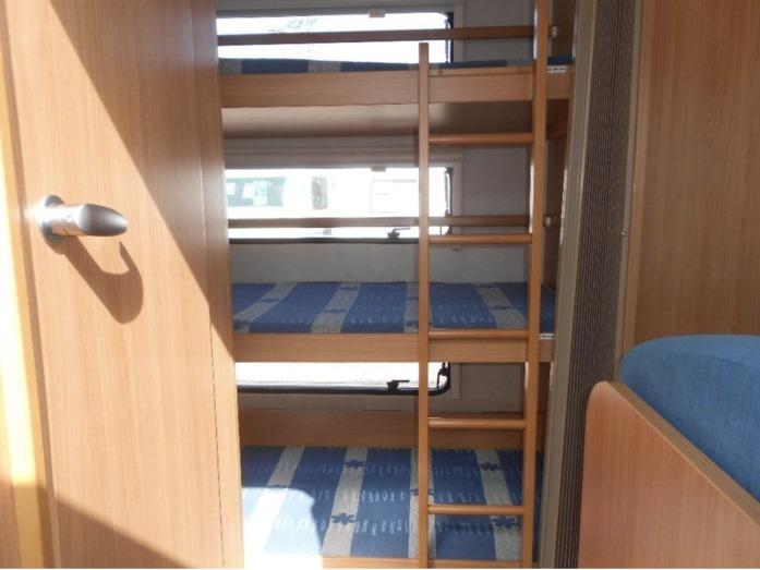 Wohnwagen Mit 3er Etagenbett : Familien wohnwagen er etagenbett für campanda