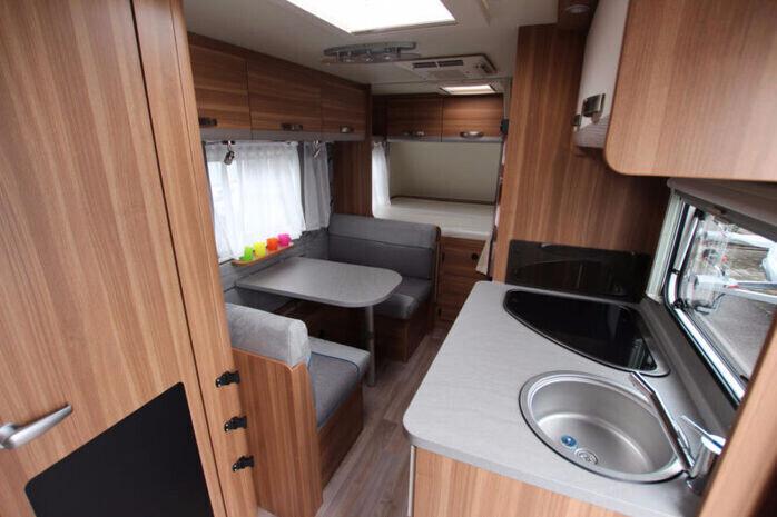Wohnwagen Mit Etagenbett Klima Mover : Familien wohnwagen klimaanlage campanda